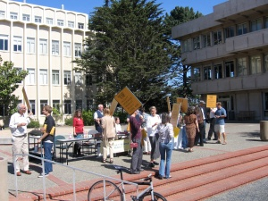 Faculty and Librarians on Harney Plaza on Monday